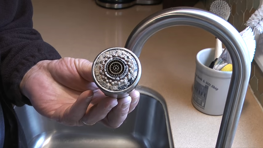 how to replace kitchen faucet head